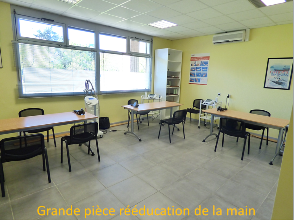 kinesitherapie-attelle-reeducation-orthese-main-grenoble